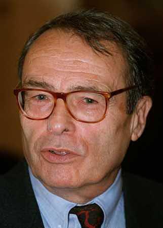 Photo d'archives du sociologue français Pierre Bourdieu, décédé à l'âge de 71 ans