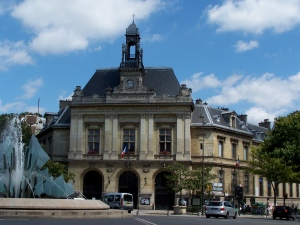 Mairie_du_20e_arrondissement_de_Paris[1]