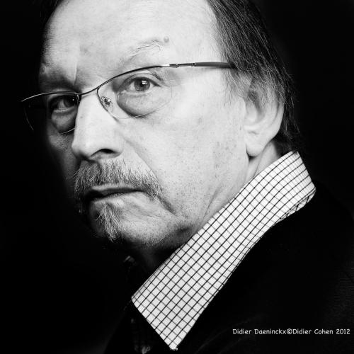 Portrait-de-Didier-Daeninckx-né-en-1949[1]